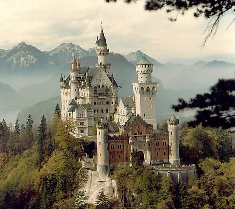 P14205-Bavaria-Neuschwanstein_Castle
